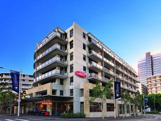 Adina Apartment Hotel…, 55 Shelley Street,55