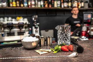 Maxim - Bar