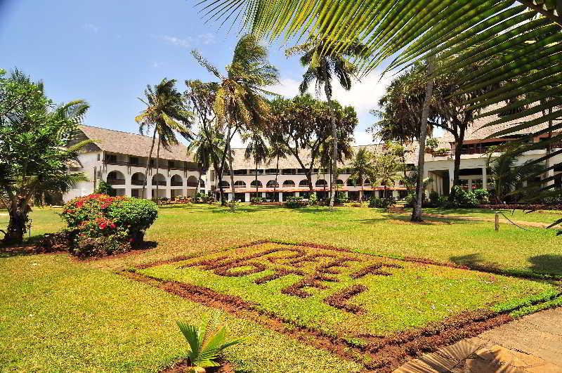 Reef Hotel, North Coast,