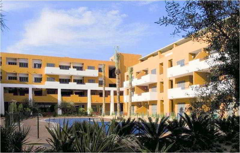 Parque Tropical Aparthotel