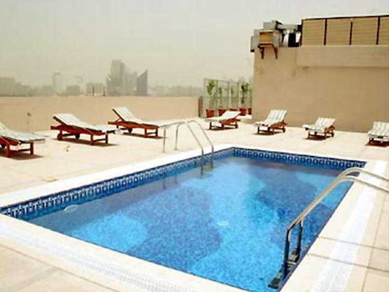 Ramee Royal Hotel Dubai - Pool