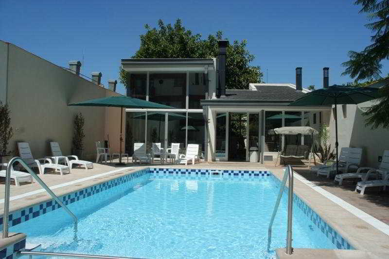 Provincial - Pool
