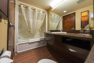 Quality Inn & Suites, 5800 Rue Des Arpents,