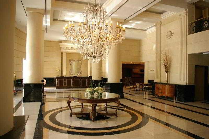 Diplomatic Hotel - Diele