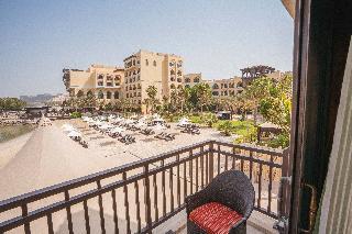 Shangri La Hotel Qaryat Al Beri Abu Dhabi - Terrasse