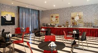 Book Royal Ascot Hotel Apartment Dubai - image 0
