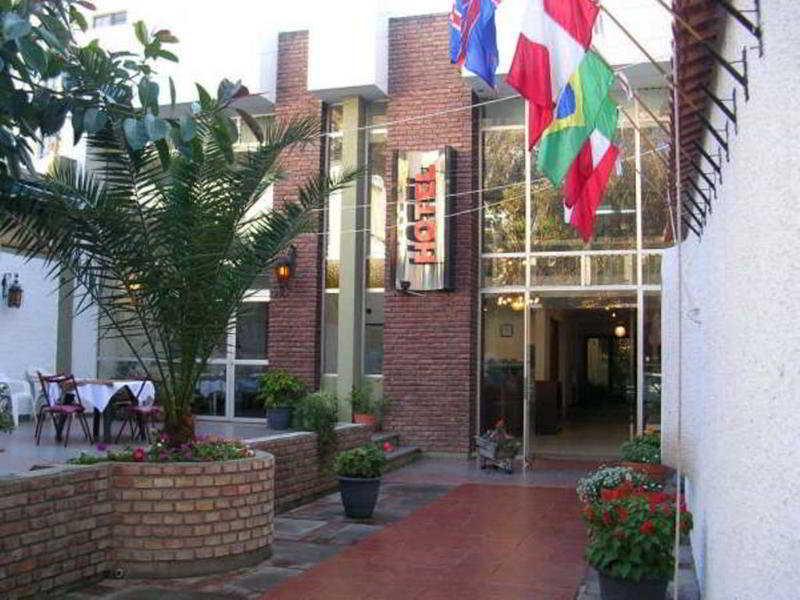 Royal Hotel Horcones, Las Heras,145