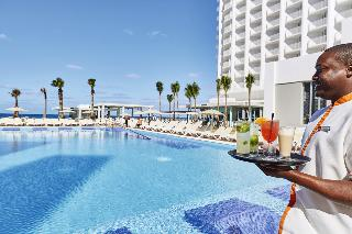 Riu Paradise Island All Inclusive - Pool