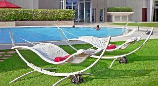 Park Rotana - Pool
