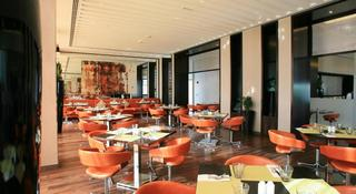 Centro Yas Island - Restaurant