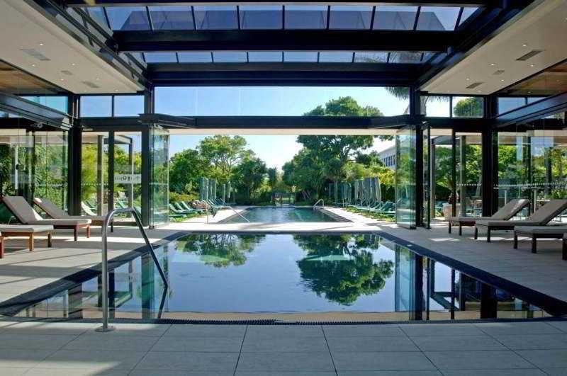 Vineyard Hotel - Pool