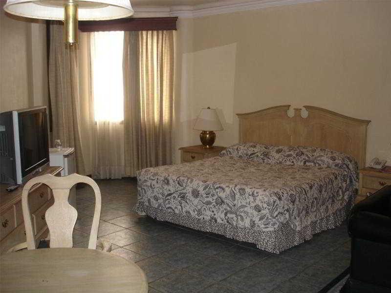 Gran Hotel Santa Cruz - Zimmer