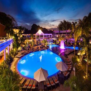 Los Tajibos - Pool