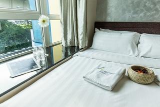 Fragrance Hotel - Royal