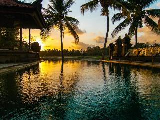 Green Field Hotel and…, Jl. Pengosekan, Ubud, Gianyar,