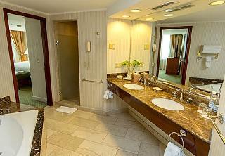 JW Marriott Hotel Quito, Orellana Y Avenida Amazonas,1172