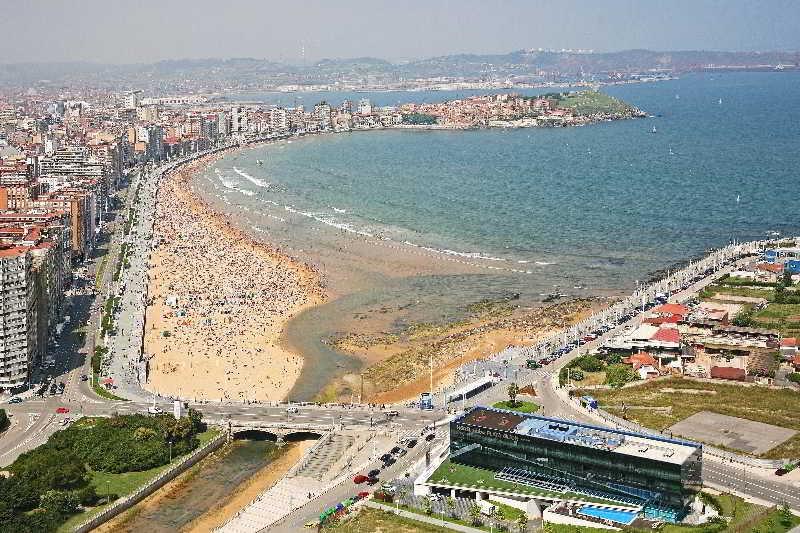 levas latín paseo en Gijón