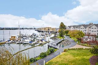 Homewood Suites Oakland Waterfront