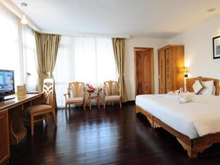 Romance Hotel HUE