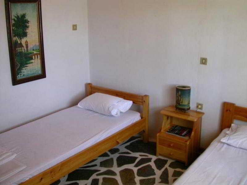 Sapfo Apartments, Alykes Area, Adamas,
