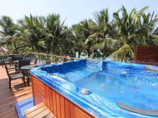 Crown Regency Beach Resort - Pool
