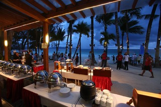 Crown Regency Beach Resort - Restaurant