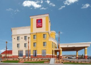 Book Comfort Suites At the Barstow Outlets Victorville - image 4