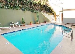 Comfort Inn Near the Sunset Strip