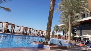 Radisson Blu Hotel Abu Dhabi Yas Island - Pool