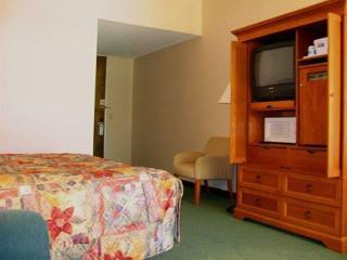 Ramada Albuquerque East, 10300 Hotel Avenue N.e, ,25
