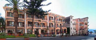 Hotel Santa Lucia, Via Alfonso Gatto 44,44