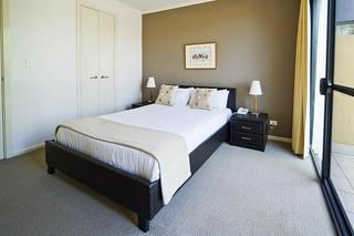 RNR Serviced Apartments, 14 Sturt St,