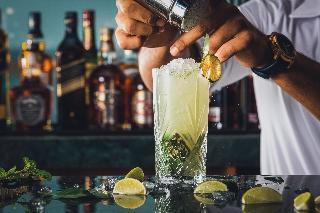 JA Palm Tree Court - Bar