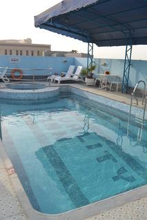Ramee Guestline Hotel - Pool