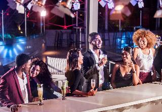 Hennessy Park Hotel - Bar