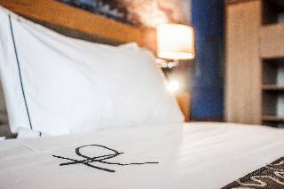 Hennessy Park Hotel - Zimmer