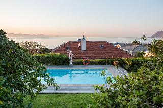 Chartfield Guesthouse - Pool