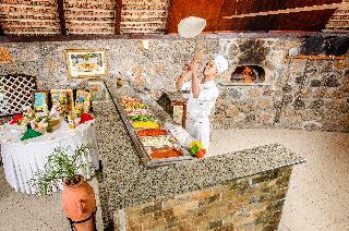 Merville Beach - Restaurant