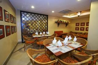 Crown Regency Prince Resort - Restaurant