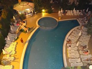 Boomerang - Pool