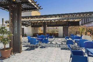 Days Hotel by Wyndham Aqaba - Bar