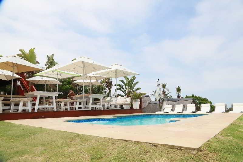 Crawford's Beach Lodge - Pool