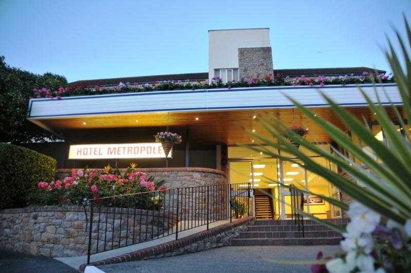 The Metropole Hotel, Roseville Street,