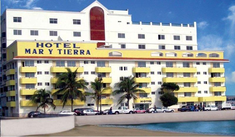 Mar y Tierra Hotel, Cap. De Fragata Pedro Sainz…