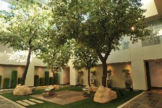 Radisson Blu Hotel Sandton, Rivonia Rd & Daisy Street,…