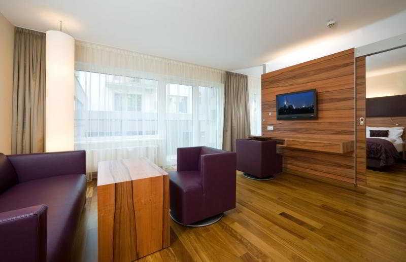 Pakat Suites Hotel - Zimmer