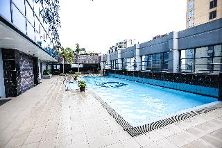 The Malayan Plaza Hotel - Pool