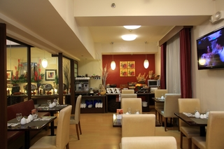 The Malayan Plaza Hotel - Restaurant