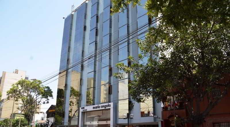 Maria Angola, Avenida La Paz,610