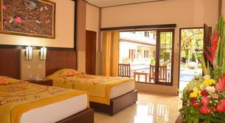 Suriwathi Beach Hotel, Jalan Sahadewa 12,12